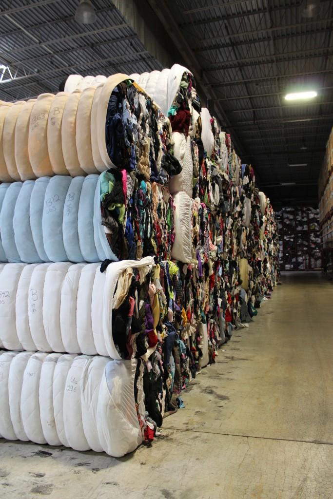 Wholesale used clothing bales